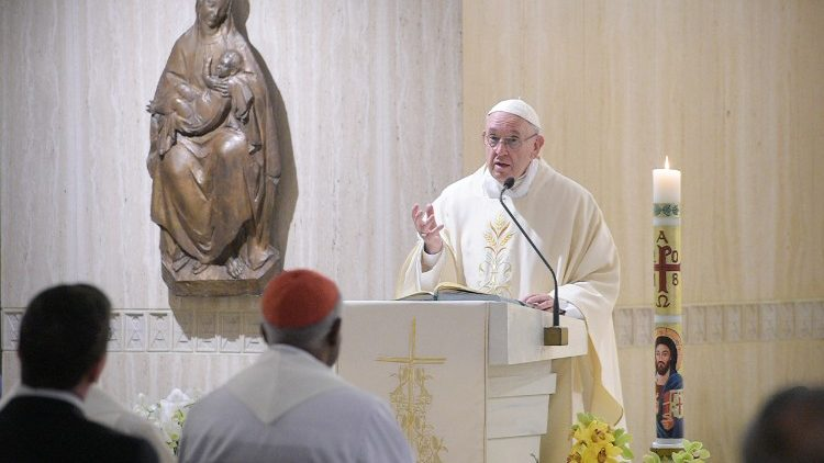 Papa Francisco celebrando na capela da Casa Santa Marta  (Vatican Media)