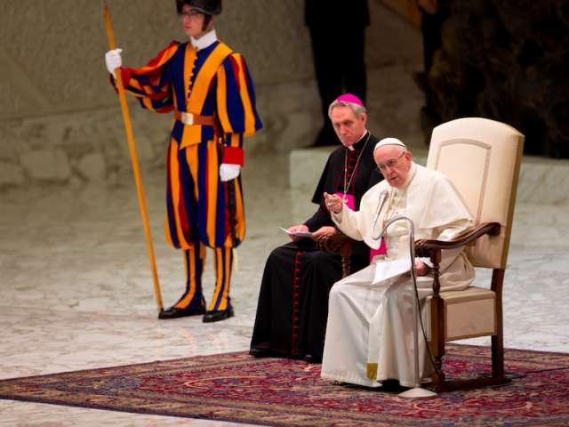 Papa Francisco na Sala Paulo VI. Foto: Daniel Ibañez/ACI Prensa