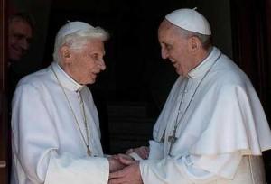 O Papa agradece Bento XVI por colaborar com Lumen Fidei