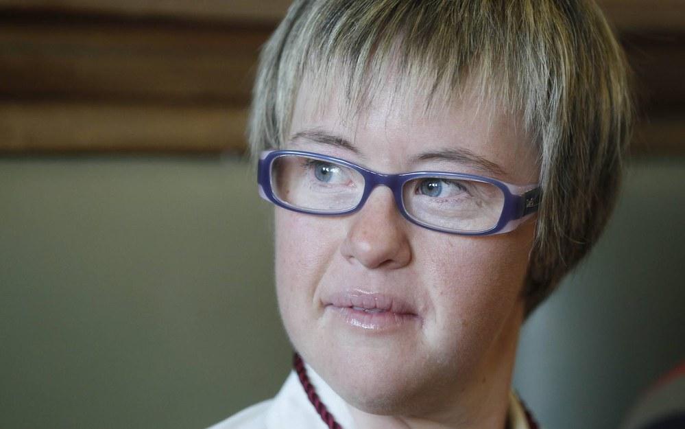 Jovem com Síndrome de Down é nomeada vereadora na Espanha ...