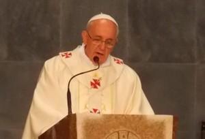 Papa pede maior preocupação com idosos e crianças