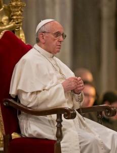 papa francisco orando