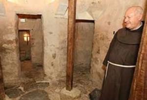 Conheça o menor convento do mundo
