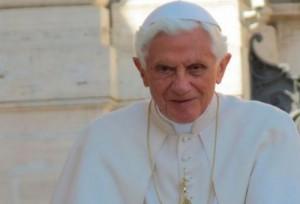 Bento XVI participará do encontro do Papa com mais de 40 mil idosos