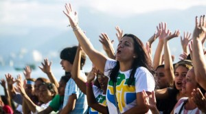 Números mostram a realidade dos católicos e protestantes na América Latina