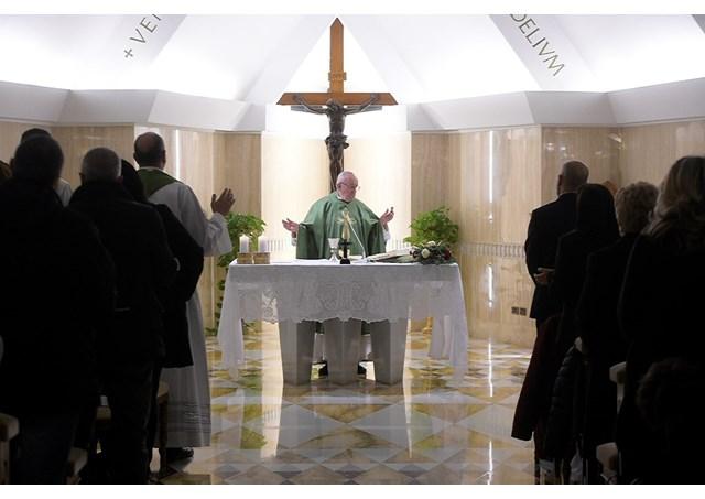 Papa Francisco: proximidade ao povo dava autoridade a Jesus