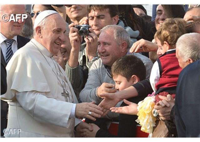 Papa visita paróquia em Guidonia. Entrevista ao pároco