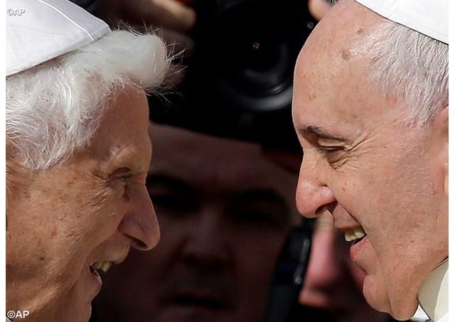 Papa envia mensagem à encontro sobre Bento XVI na Polônia