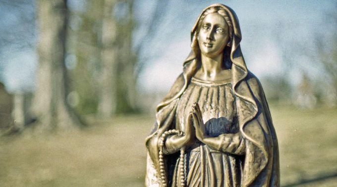 99% das virgens que choram são fraude ou autoengano, afirma Bispo
