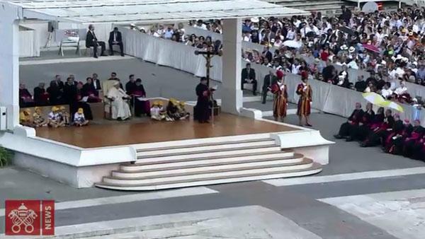 Papa inicia ciclo de catequeses sobre os Mandamentos