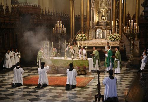 Cardeal Cipriani destaca a importância da educação católica na vida das crianças
