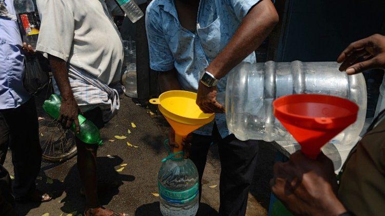 Papa: água é um direito, não mercadoria