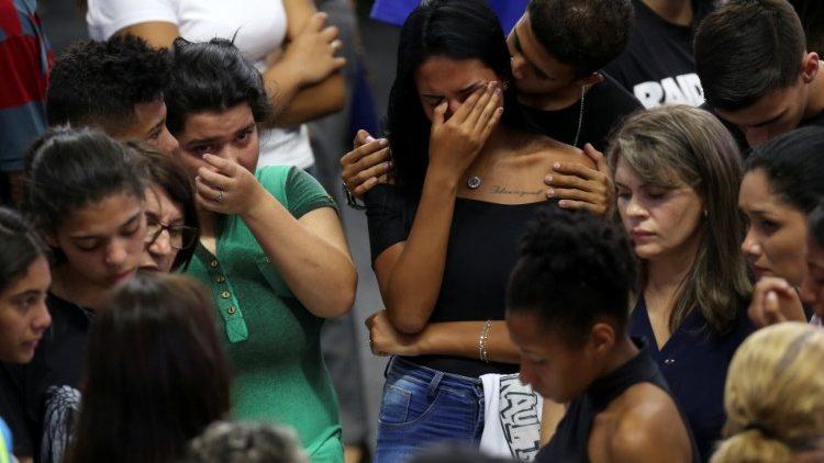 Em Suzano o funeral das vítimas da Escola Raul Brasil