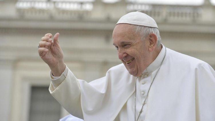 Papa: colaborar na criação de um clima de respeito entre as religiões