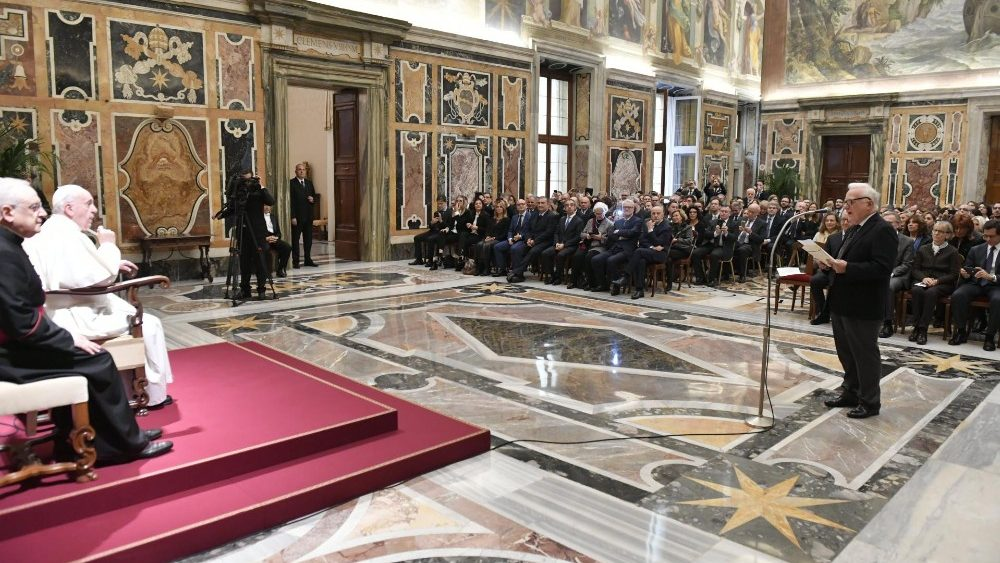 """Papa aos magistrados: """"direito de morrer"""" não tem bases jurídicas"""
