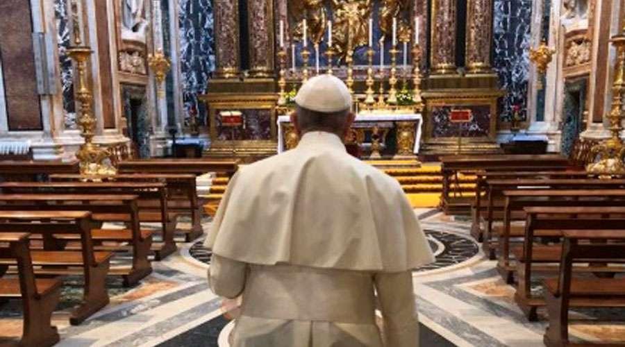 Papa Francisco surpreende fiéis com visita à basílica de Santa Maria Maior