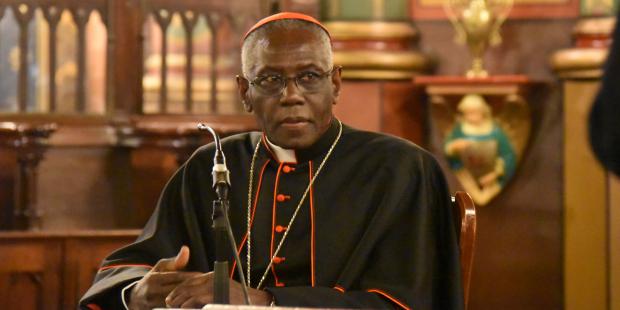 As 3 funções do sacerdote, de acordo com o cardeal Sarah