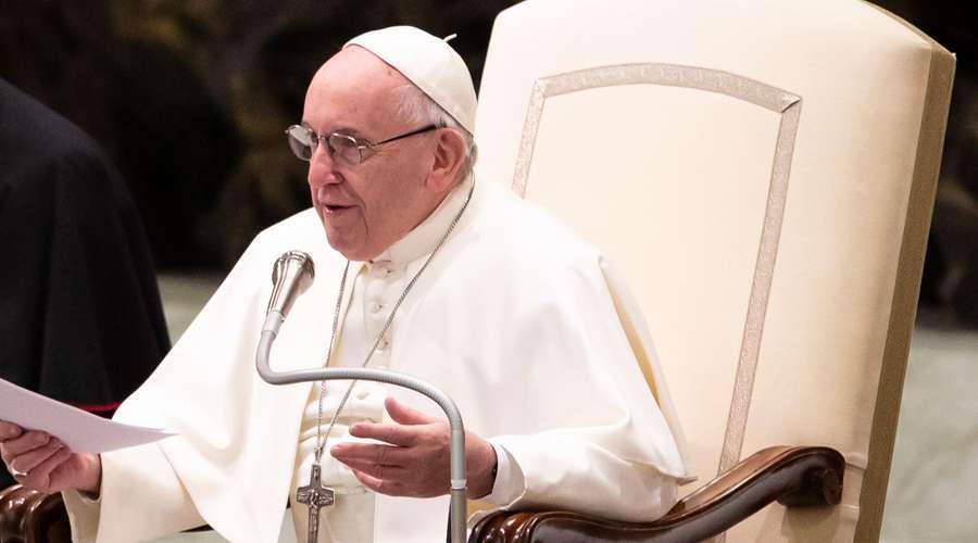Papa pediu responsabilidade em reabertura de escolas após fechamento por causa da COVID