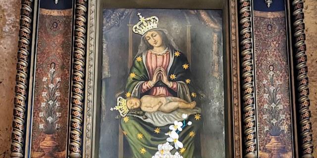Santuário guarda imagem milagrosa de Maria com o Menino Jesus dormindo