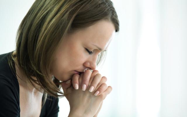 Três orações para oferecer a Deus nos momentos de sofrimento