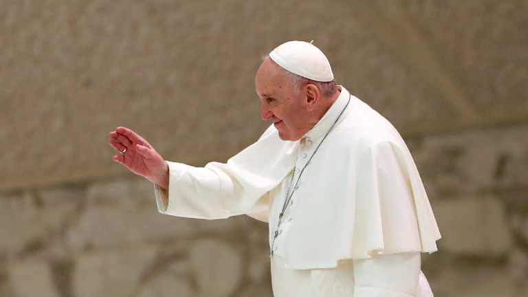 Jesus Ressuscitado nos convida a recomeçar, exorta Papa