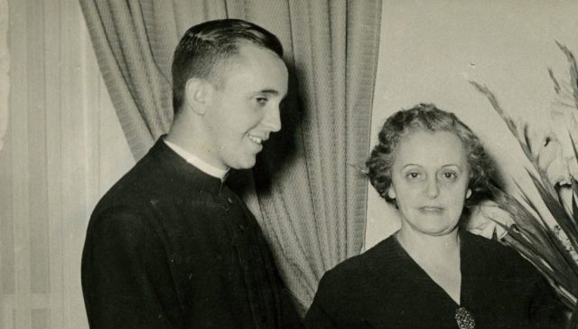 Sabia que a mãe do Papa Francisco queria que ele fosse médico?