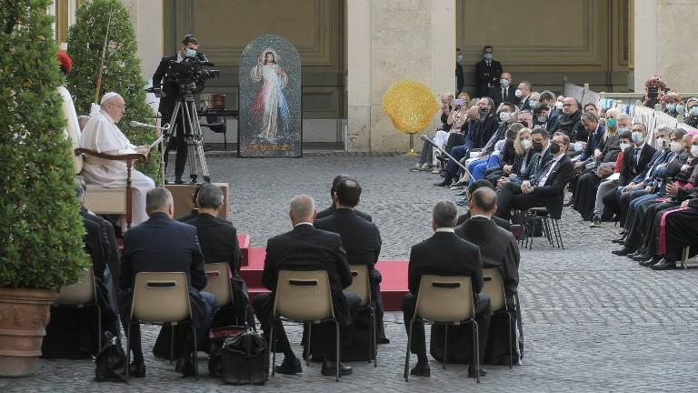 A oração é o respiro da vida, destaca Papa na catequese