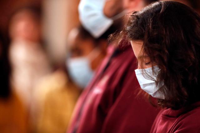 Cidades com vacinação em massa quase zeram mortes por covid