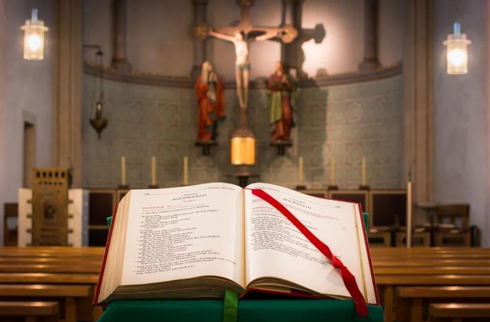 Papa estabelece novas normas sobre o uso do missal pré-conciliar